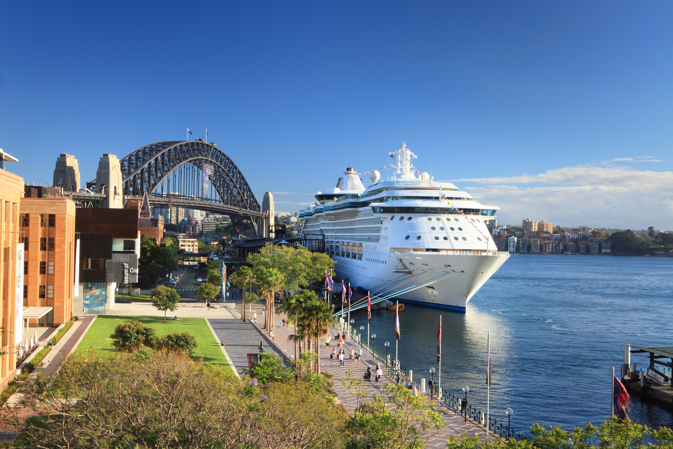 Shuttle Bus Cruise Ship Transfers Into Sydney Harbour - Sydney airport to cruise ship terminal