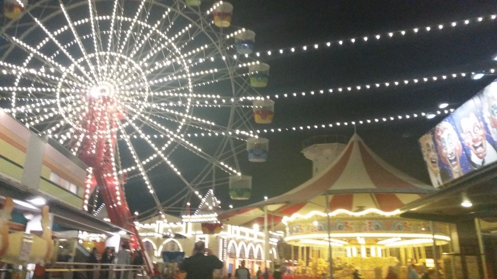 ferris wheel luna park sydney